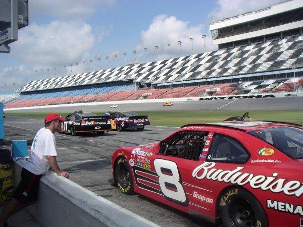 6日目:DaytonaでNASCARに乗る!