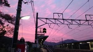 無人駅の夕焼け